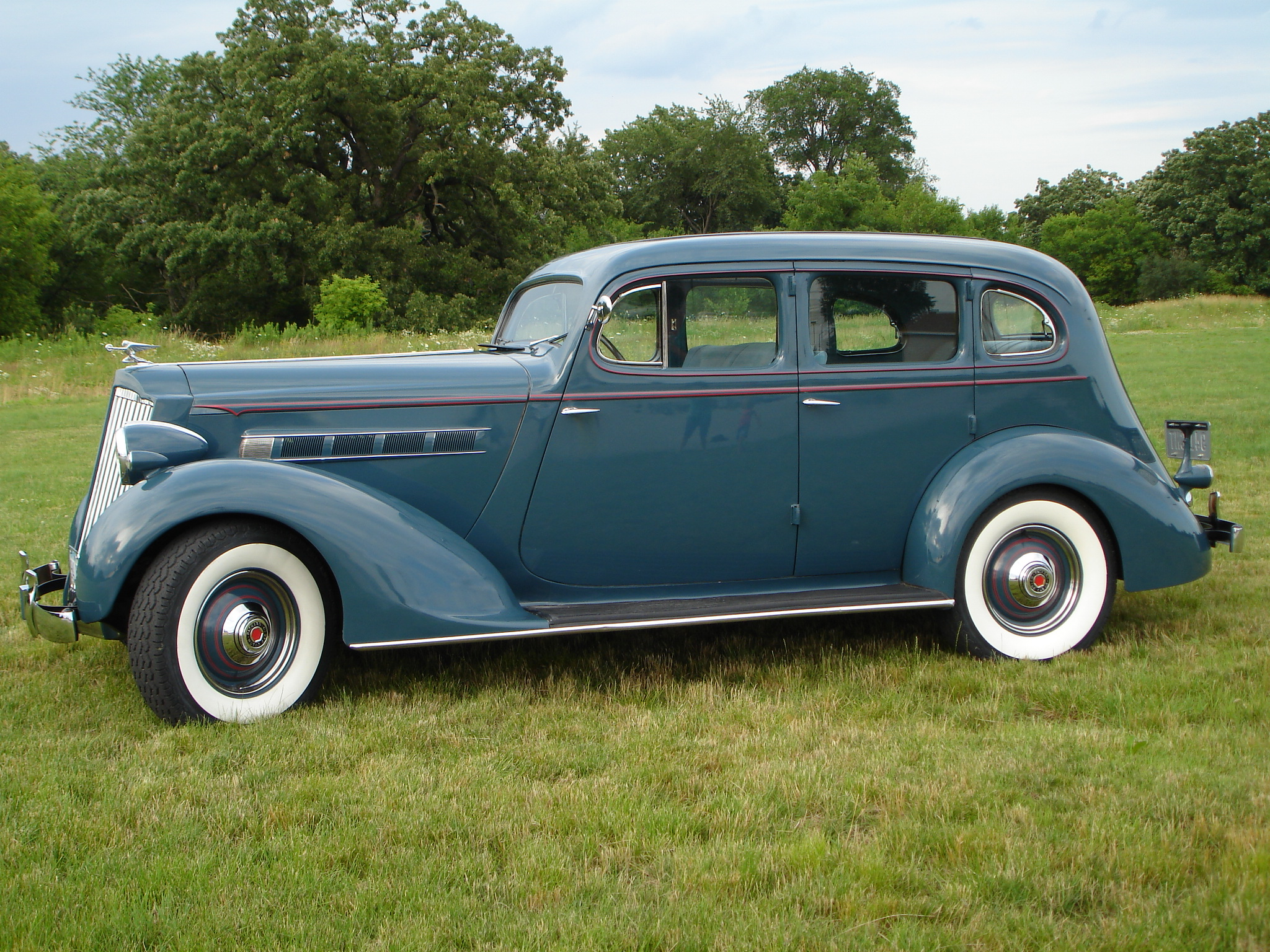1935 Packard Model 893 Standard 4 door sedan