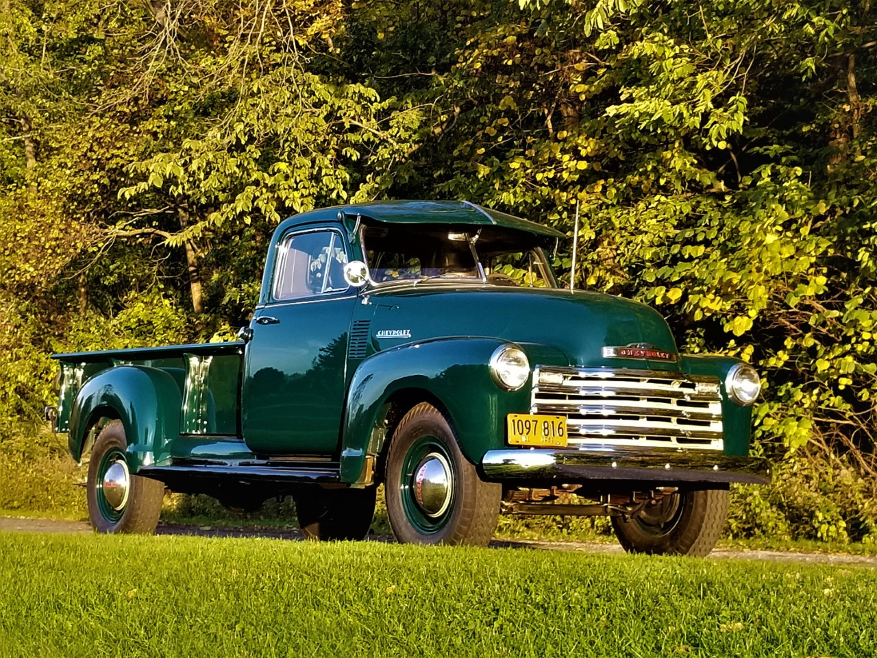 1952 Chevrolet 1 ton Pickup - 9 foot bed