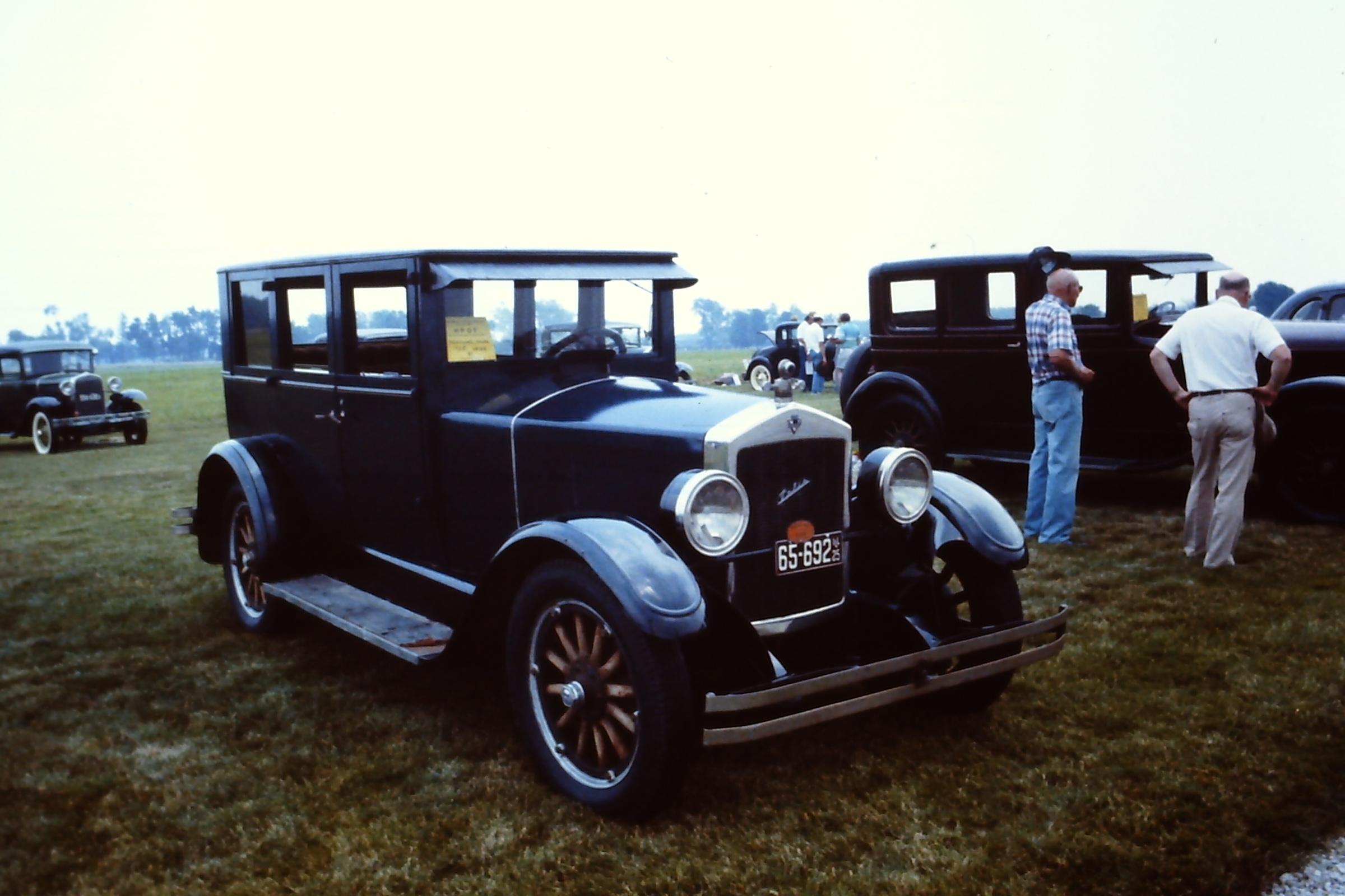 1925-Velie-Model-60-Sedan