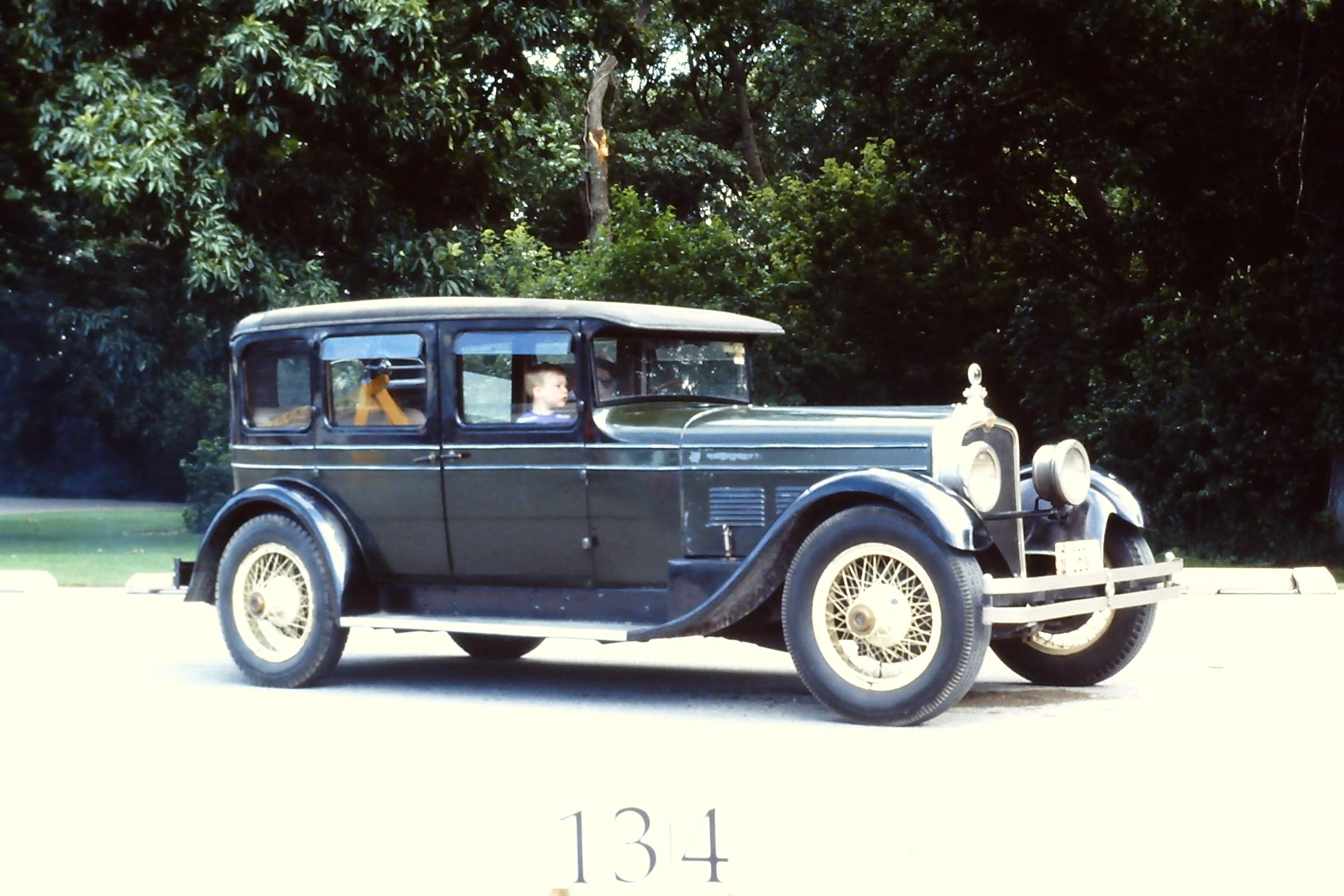 1927-Stutz-Model-AA-5-Passenger-Sedan