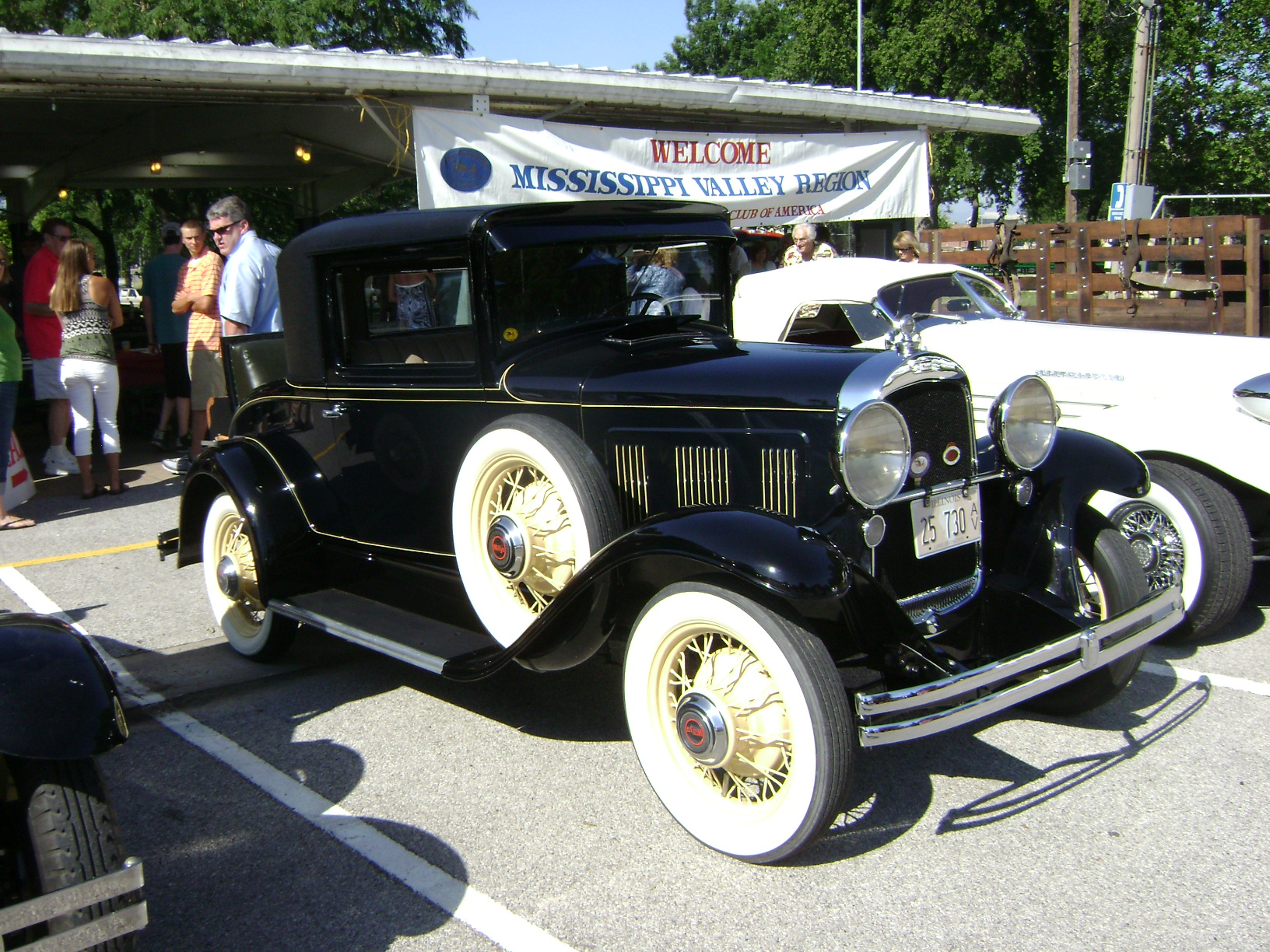 1930-Willys-98-Coupe