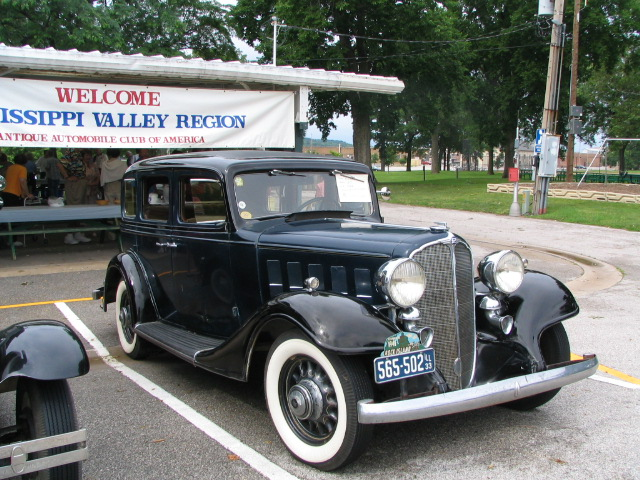 1933-Buick-Model-57-4dr