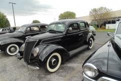 1937-Ford-Standard-4Dr