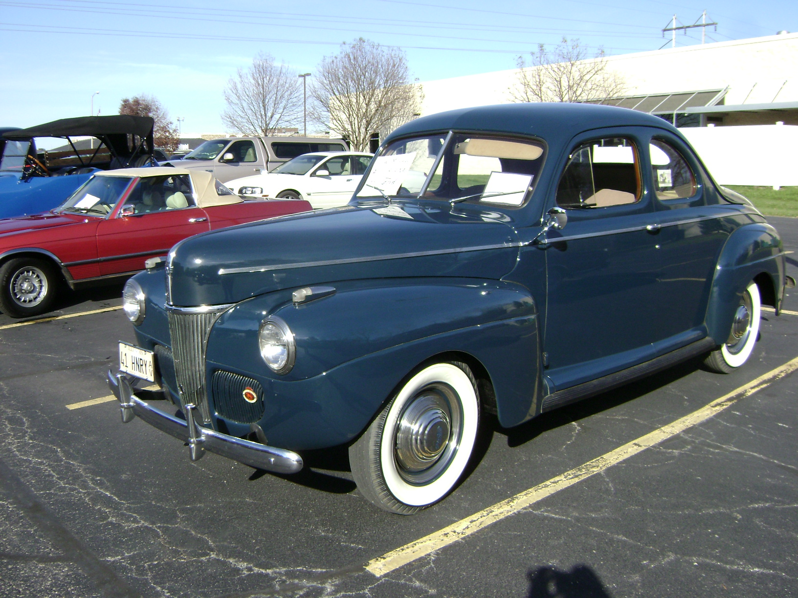 1941-Ford-Deluxe-Opera-Coupe