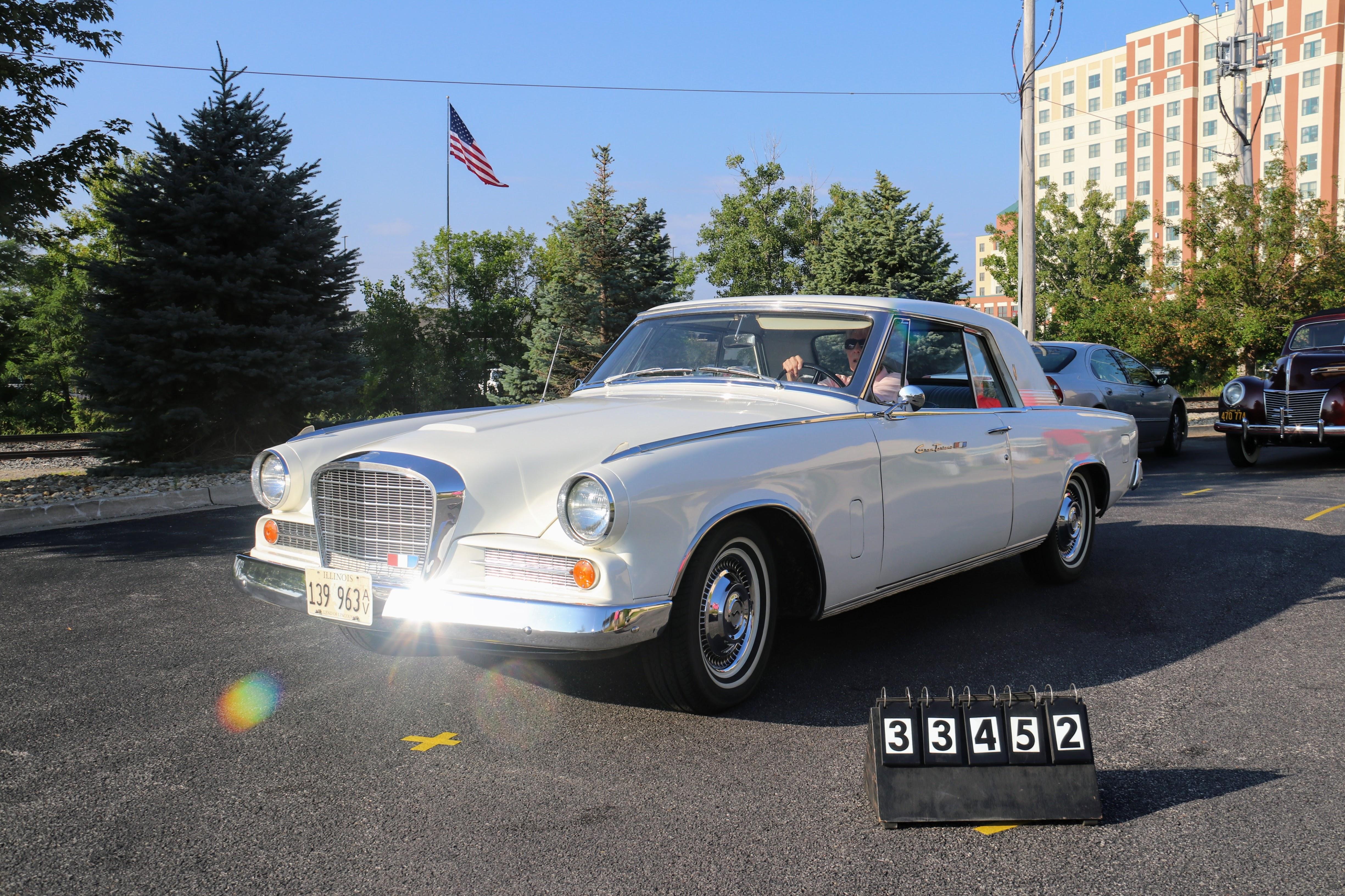1963-Studebaker-Gran-Turismo-2dr