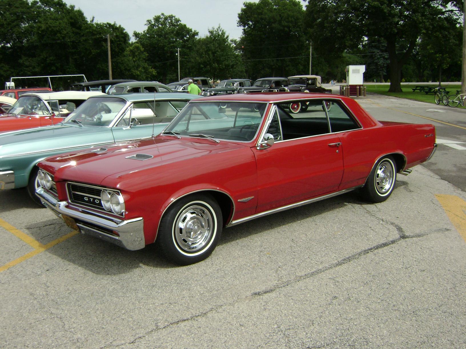 1964-Pontiac-GTO1
