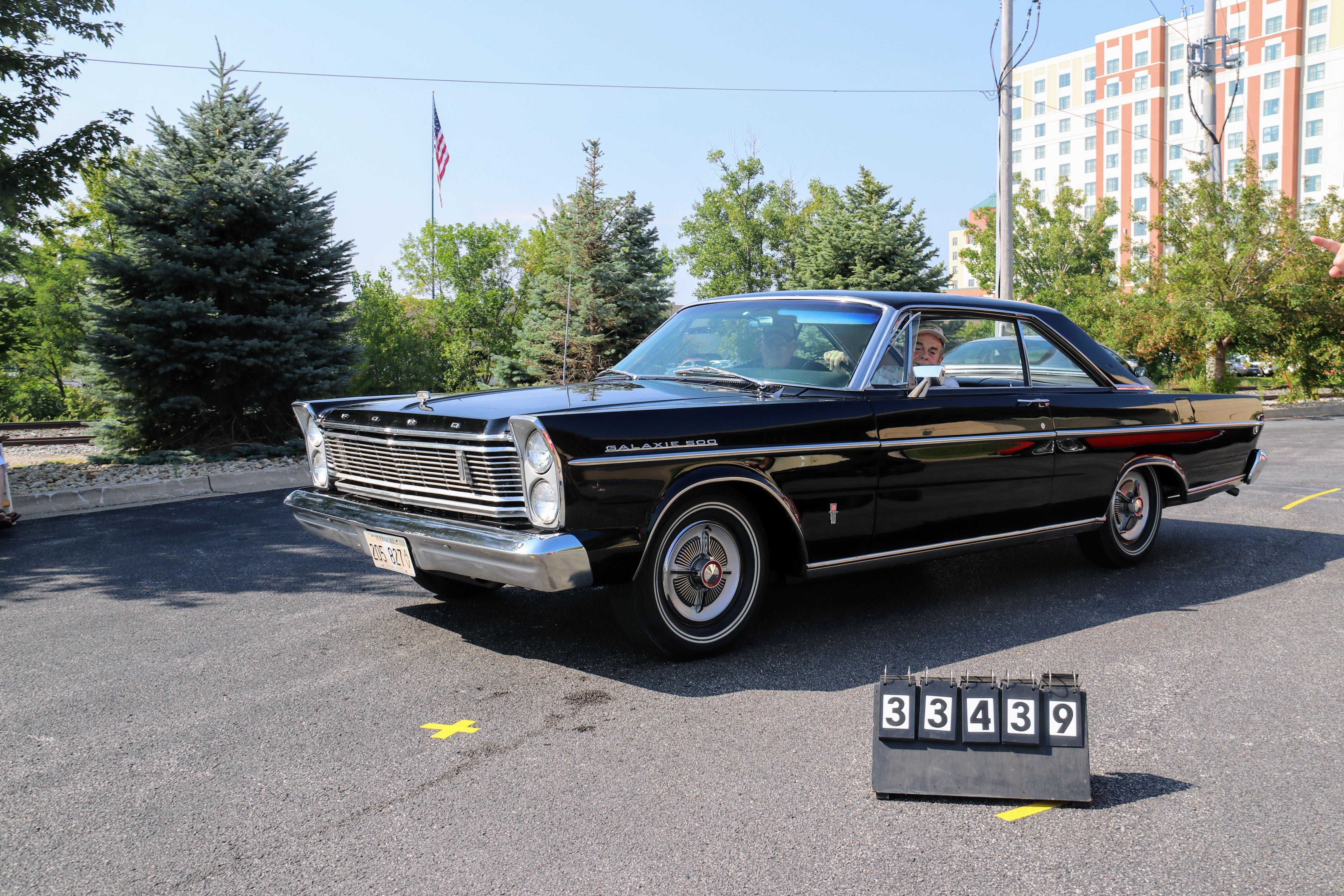 1965-Ford-Galaxie-500