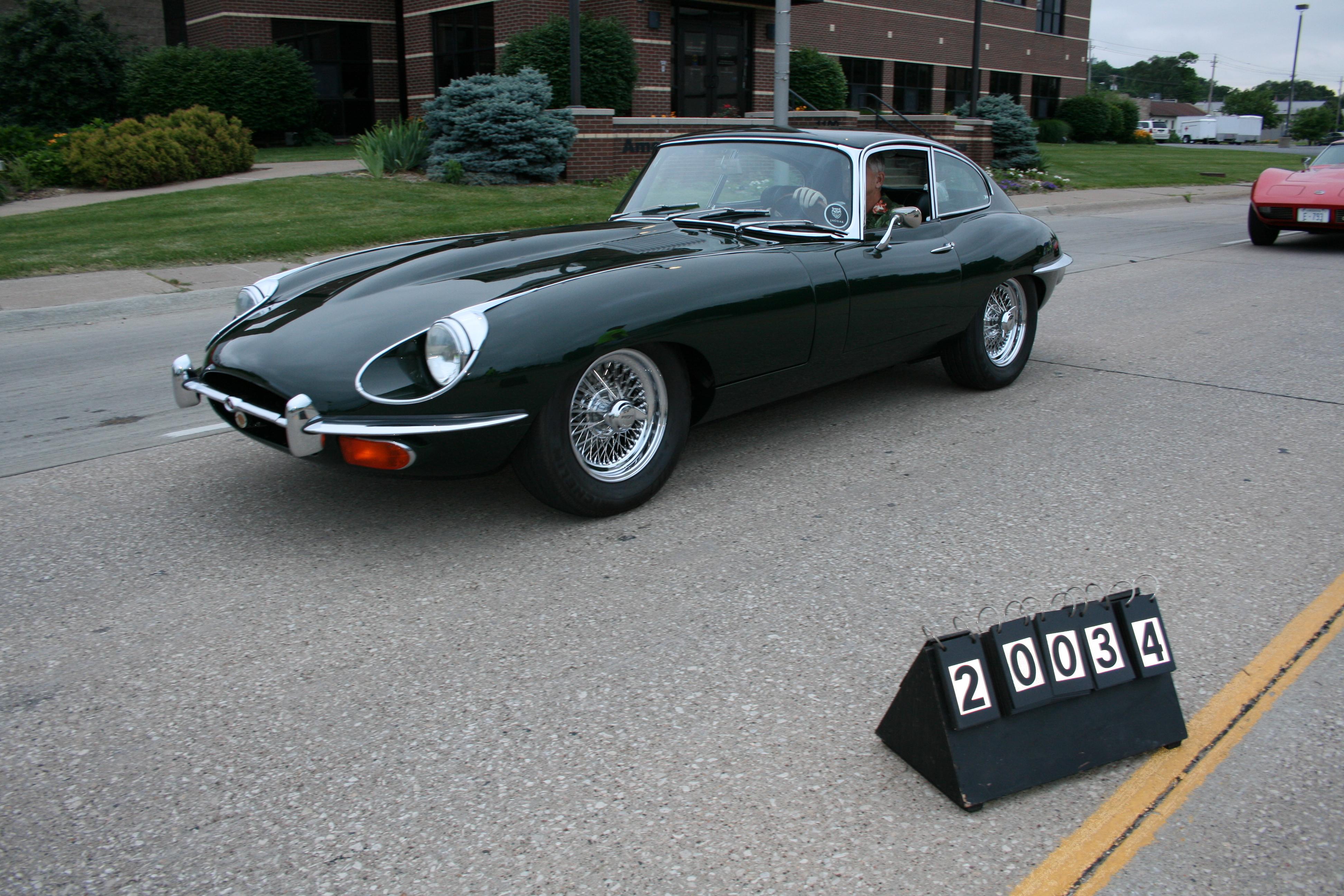 1969-Jaguar-XKE
