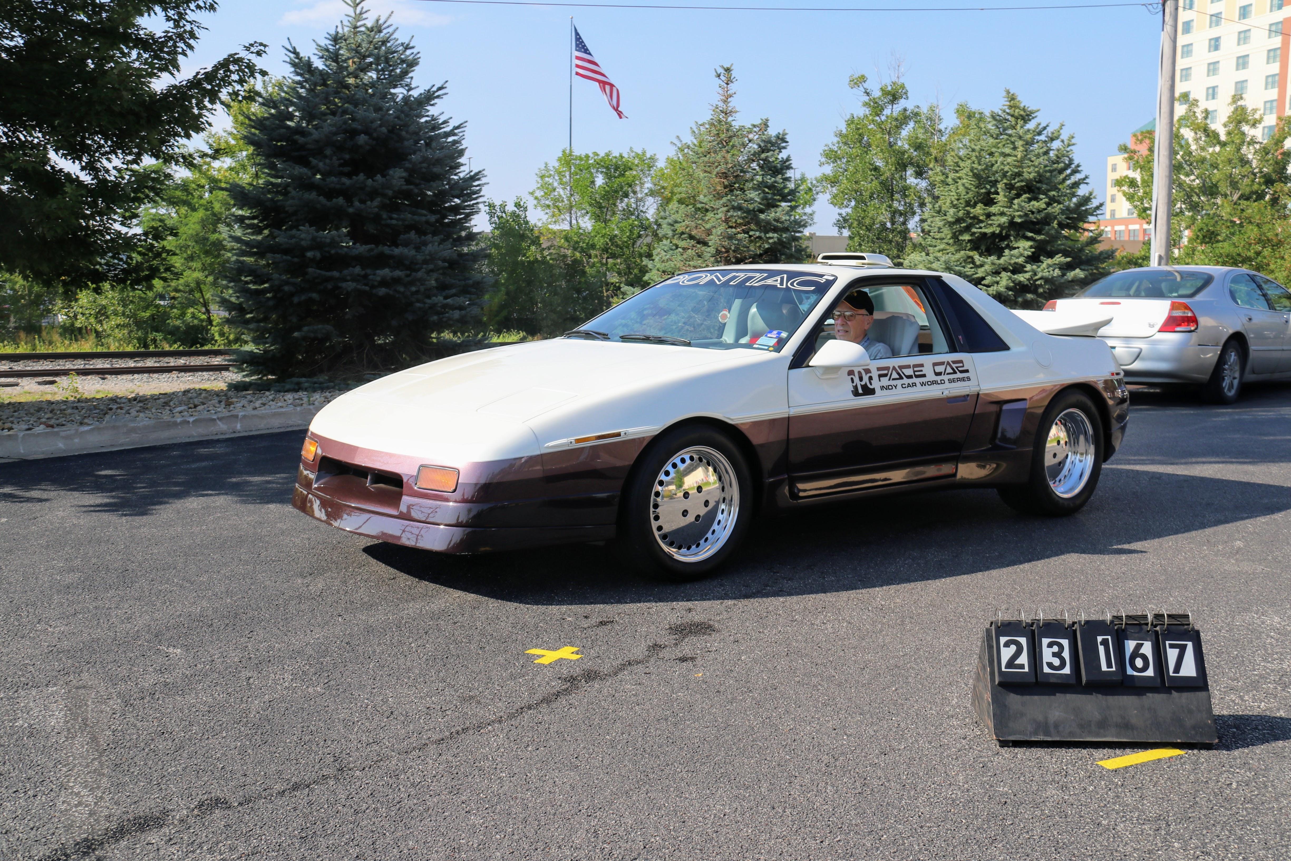 1984-Pontiac-Fiero-Indy-PPG-Pace-Car-Prototype