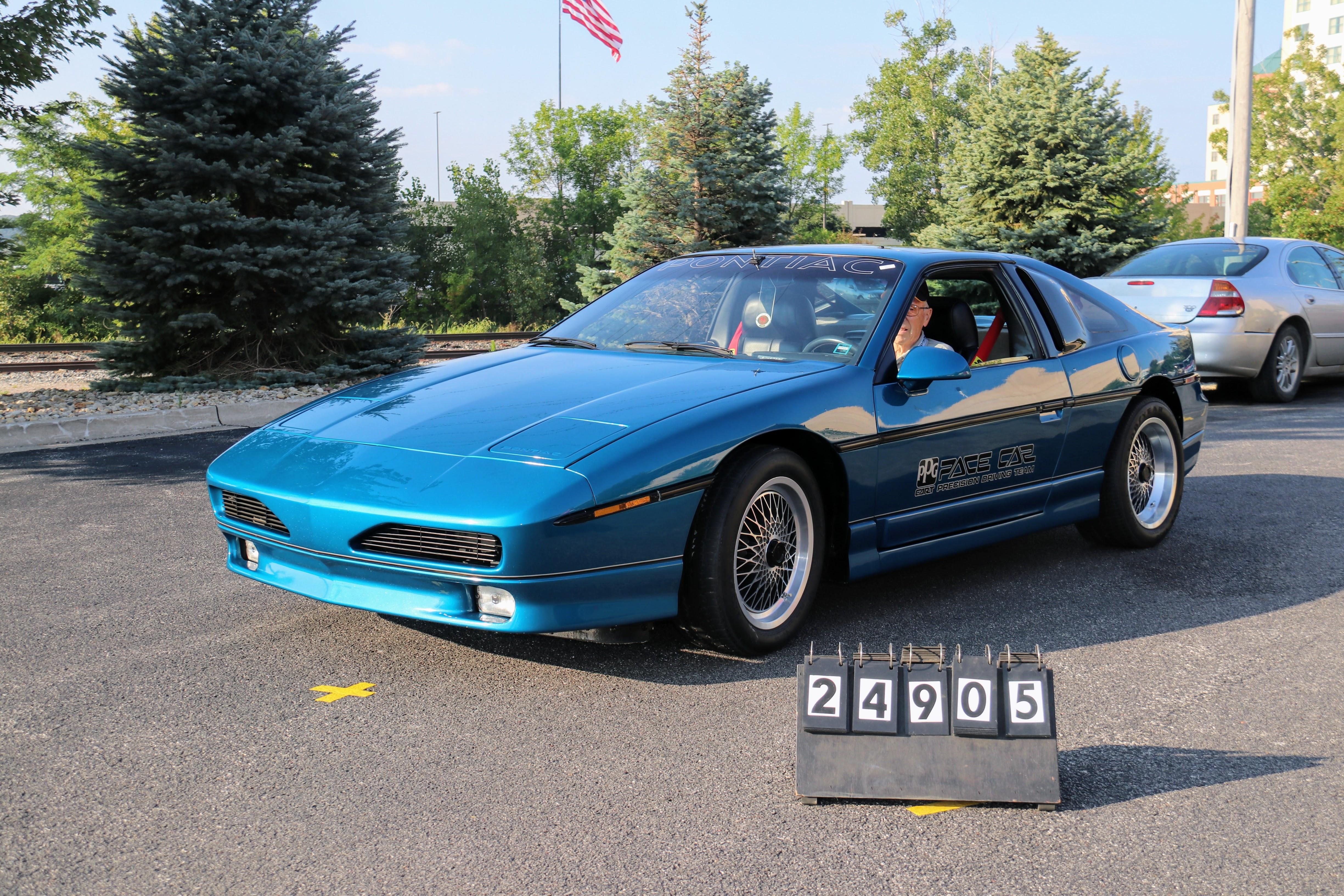 1985-Pontiac-Fiero-PPG-GTP-Pace-Car-Prototype